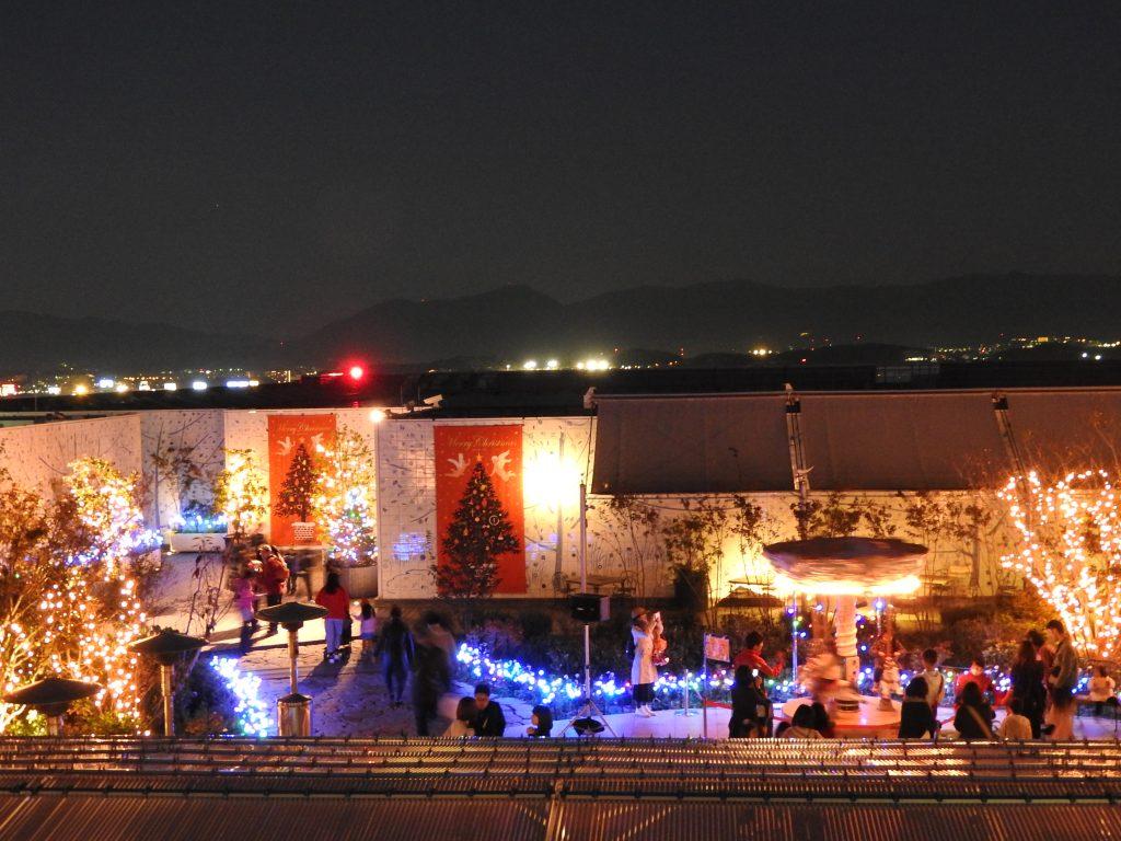 屋上クリスマスイルミネーション(JR博多シティ屋上)